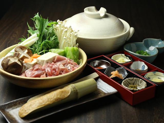 西中島南方の鶏鍋あんここ鶏鍋写真